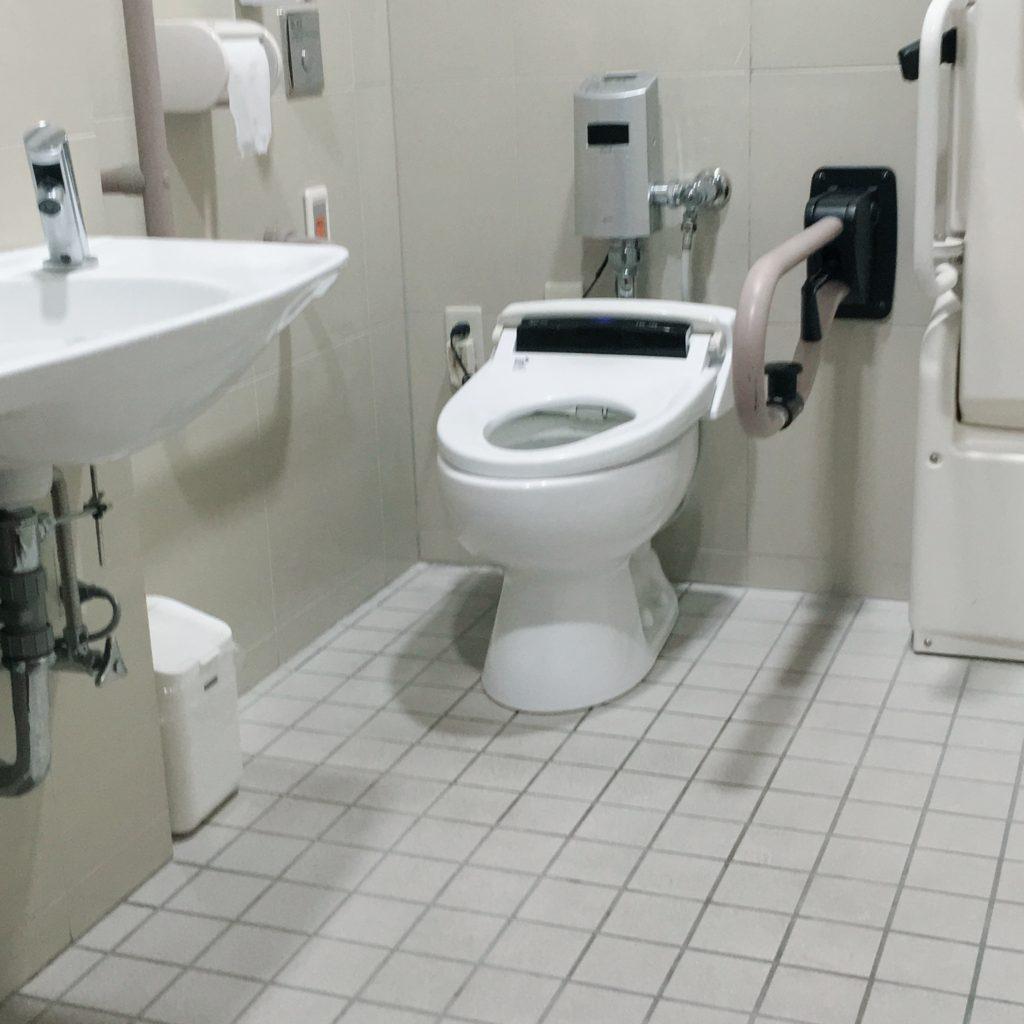 病院のトイレ